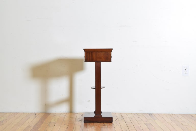 Mid-19th Century French Neoclassic Mahogany Tray Top 1-Drawer Side Table For Sale
