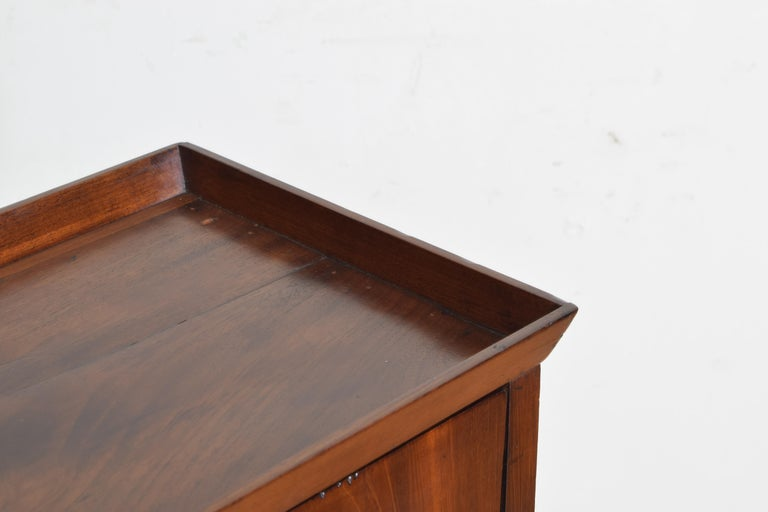 French Neoclassic Mahogany Tray Top 1-Drawer Side Table For Sale 3