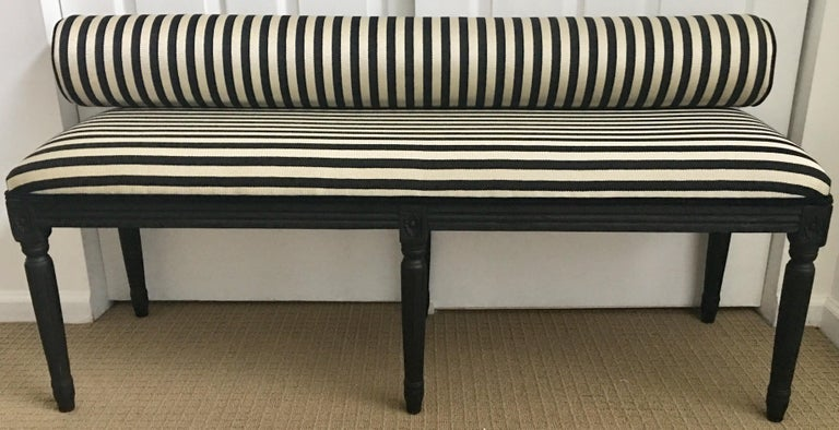 French Neoclassical Louis XVI Style Carved Wood Striped Bench Stool In Excellent Condition For Sale In Lambertville, NJ