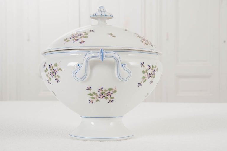 "French Old Paris Porcelain ""Cornflower"" Pattern Tureen For Sale 1"