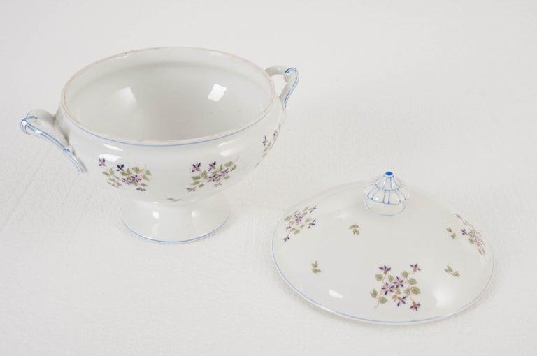 "French Old Paris Porcelain ""Cornflower"" Pattern Tureen For Sale 3"