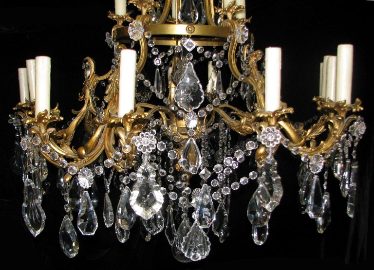 French Ormolu and Cut Crystal Chandelier, 19th Century For Sale 1