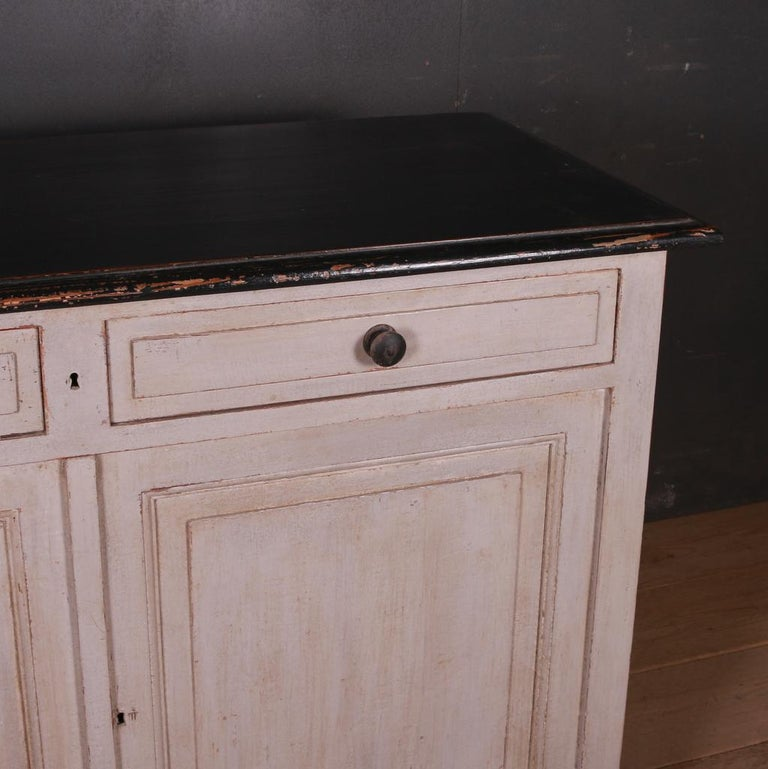 French Painted Buffet In Good Condition For Sale In Leamington Spa, Warwickshire
