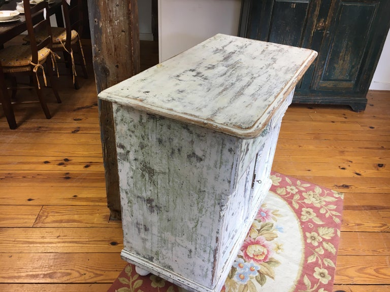 - This is one of the prettiest pieces in our store. The fluting on the sides and middle and beautiful handles for the drawers all make this piece an eye-catching piece of French furniture. The paint is an off-white and the pricing is very fair.
