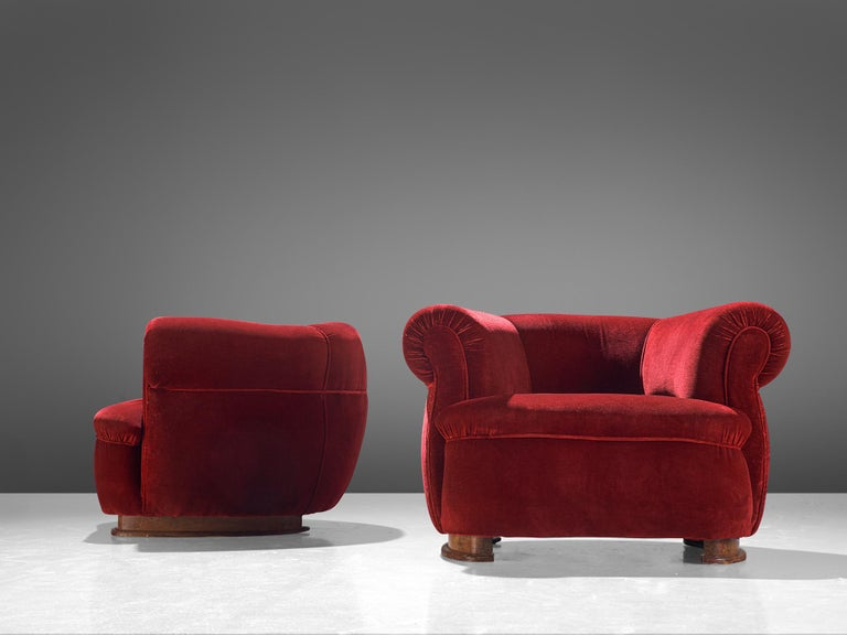 French Pair of Art Deco Club Chairs in Red Velvet In Good Condition For Sale In Waalwijk, NL