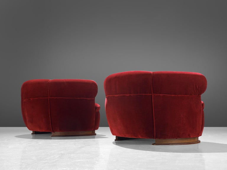 Mid-20th Century French Pair of Art Deco Club Chairs in Red Velvet For Sale