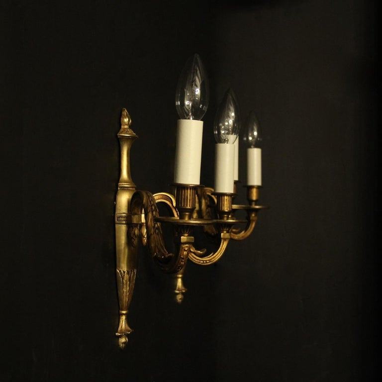 French Pair of Bronze Antique Wall Lights For Sale 5