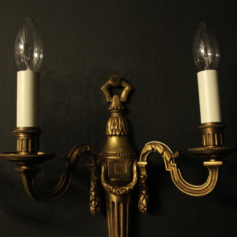 French Pair of Bronze Antique Wall Lights In Fair Condition For Sale In Chester, GB