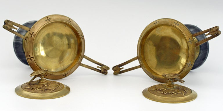 French Pair of Ormolu Bronze Twin Handled and Marble Mounted Lidded Tazzas For Sale 4