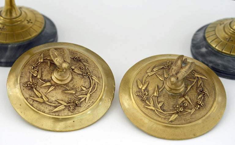 French Pair of Ormolu Bronze Twin Handled and Marble Mounted Lidded Tazzas For Sale 3