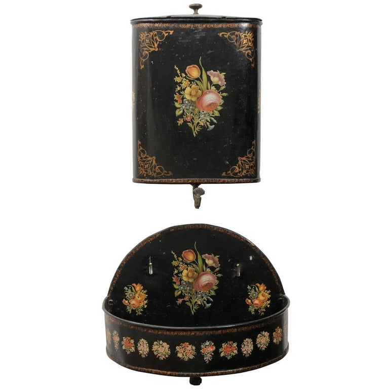 French Period Napoleon III Black Painted Tôle Lavabo with Floral Décor, 1870s