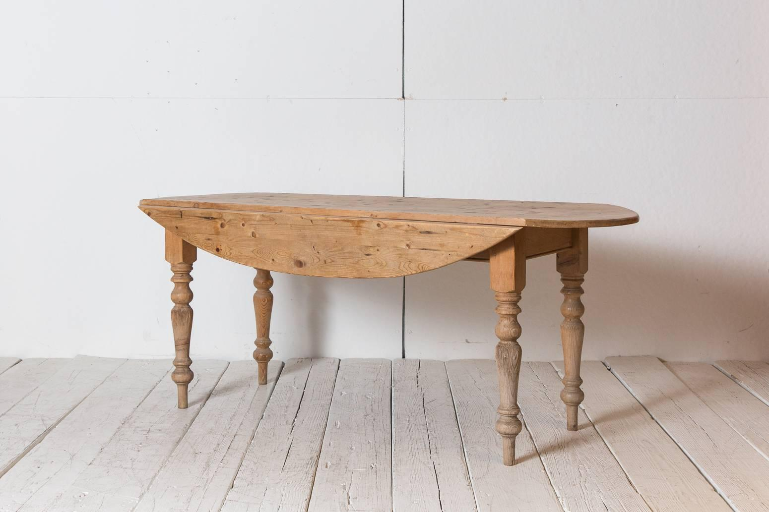 Mid 20th Century French Pine Drop Leaf Table With Spindle Legs For Sale
