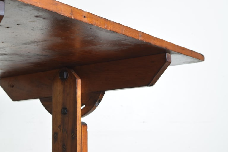 French Pinewood Adjustable Drafting Table or Desk, circa 1900 For Sale 6