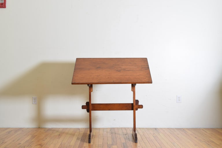 Arts and Crafts French Pinewood Adjustable Drafting Table or Desk, circa 1900 For Sale