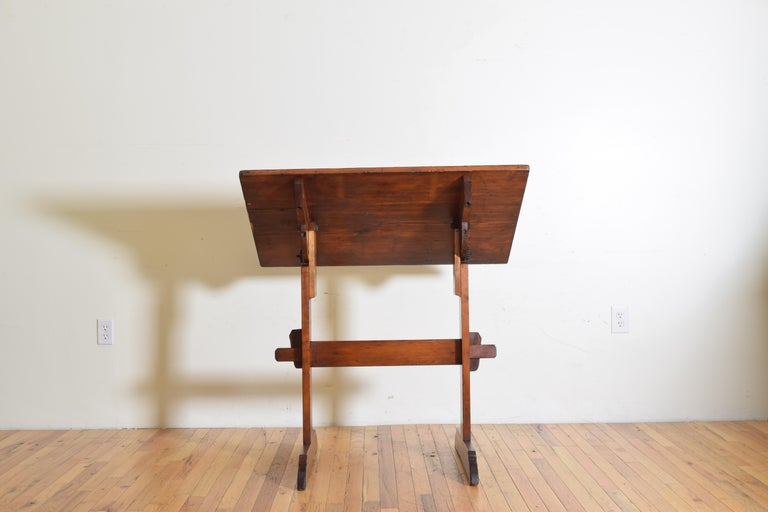 French Pinewood Adjustable Drafting Table or Desk, circa 1900 In Good Condition For Sale In Atlanta, GA
