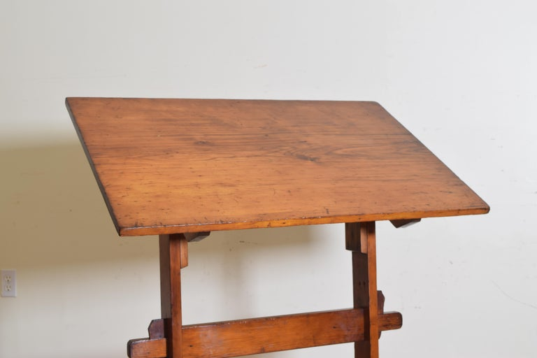 French Pinewood Adjustable Drafting Table or Desk, circa 1900 For Sale 2