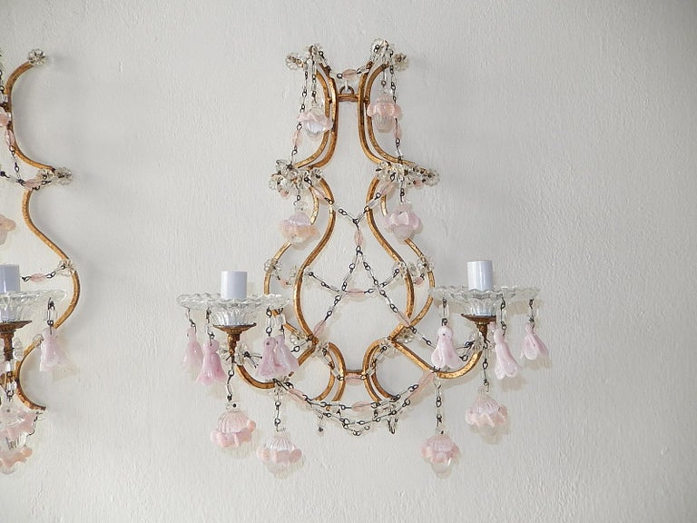 French Pink Opaline Drops with Beads and Crystal Sconces In Good Condition For Sale In Modena (MO), IT