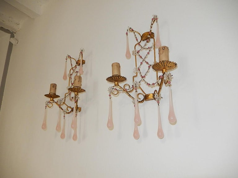 French Pink Opaline Drops with Beads and Star Crystal Sconces, 1920s In Good Condition For Sale In Modena (MO), IT