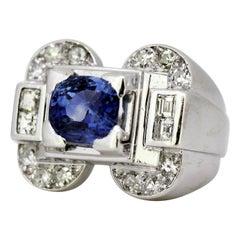 French Platinum Ladies Ring with Natural Ceylon Sapphire and Diamonds, 1940s