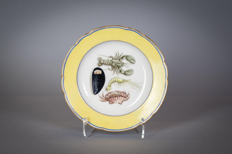 French Porcelain Dinner Plates and Soup Bowls, circa 1900 For Sale 1