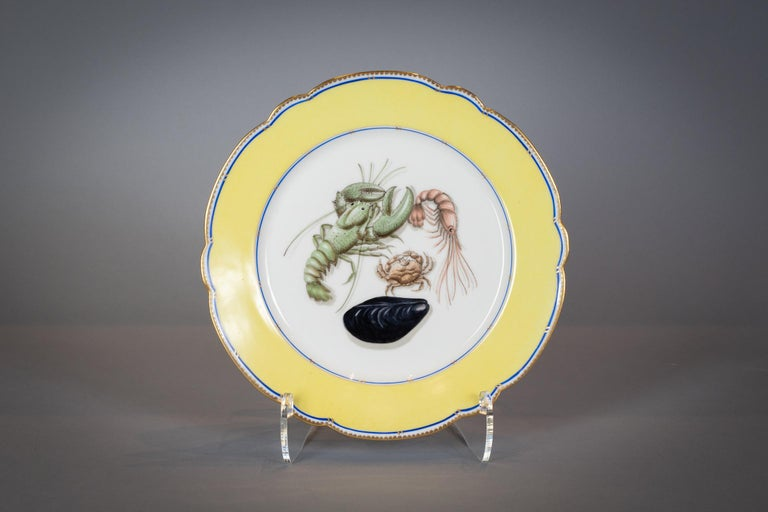 French Porcelain Dinner Plates and Soup Bowls, circa 1900 For Sale 3