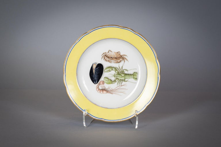 French Porcelain Dinner Plates and Soup Bowls, circa 1900 For Sale 5