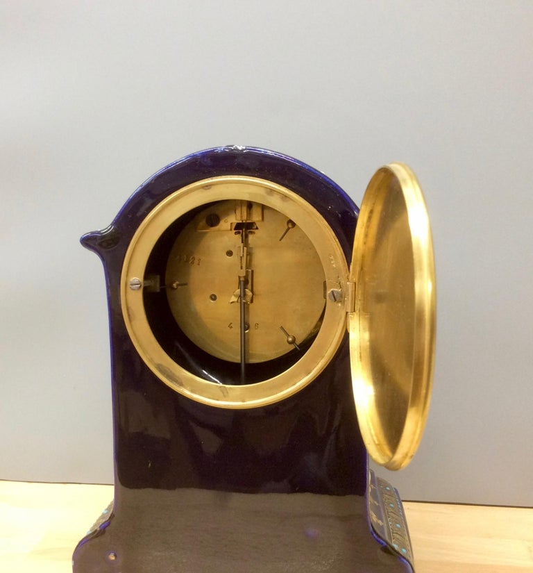 French Porcelain Mantel Clock In Good Condition For Sale In Norwich, GB