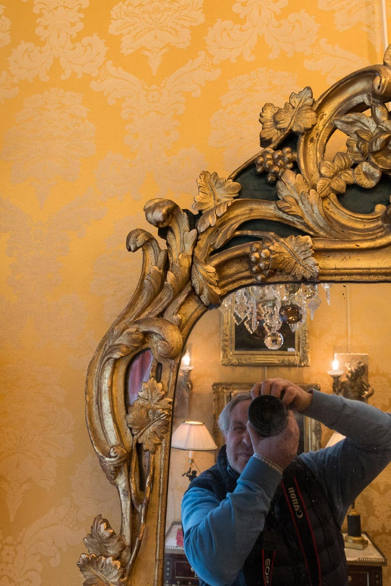 French Provencal Period Louis XV, Large Gilt and Lacquered Wood Mirror In Good Condition For Sale In Saint Ouen, FR