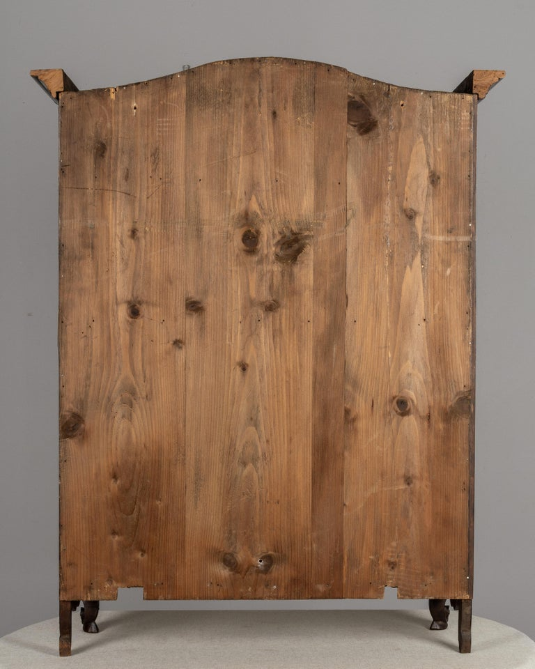 French Provençal Vitrine or Display Cabinet For Sale 2
