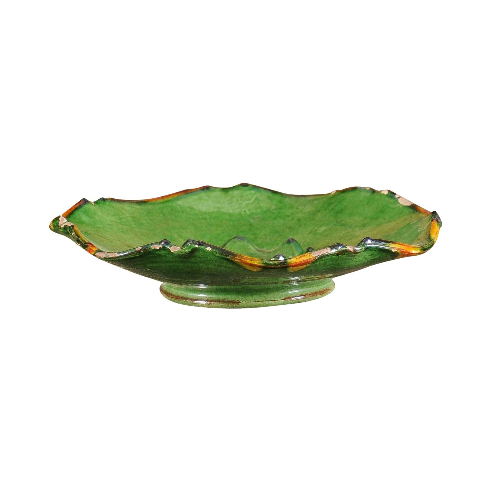 French Provincial 1850s Green Glazed Hors d'Œuvres Dish with Scalloped Edges