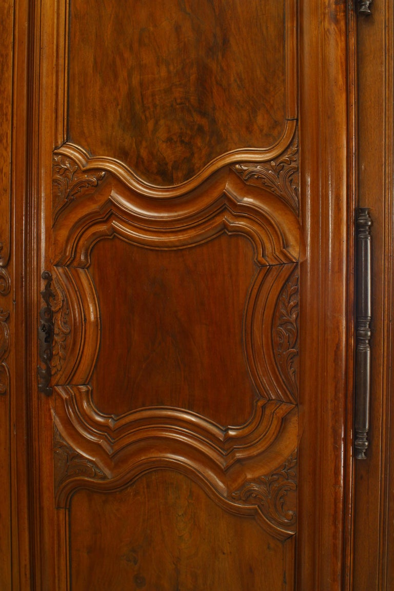 French Provincial 18th Century Walnut Armoire For Sale 2