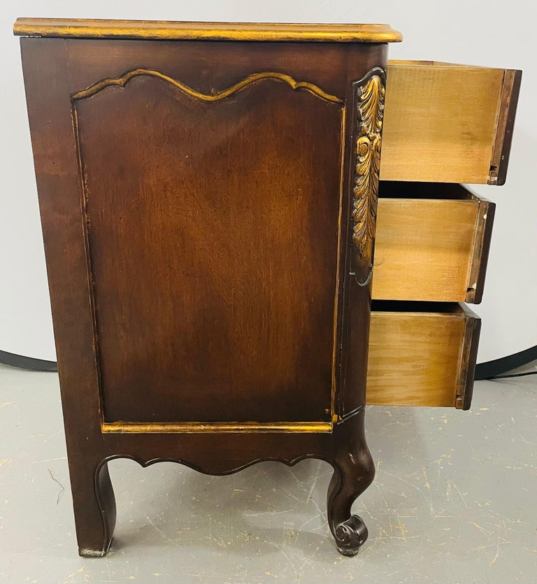 French Provincial 3 Drawer Mahogany Gilt Decorated Nightstand Table, a Pair For Sale 9