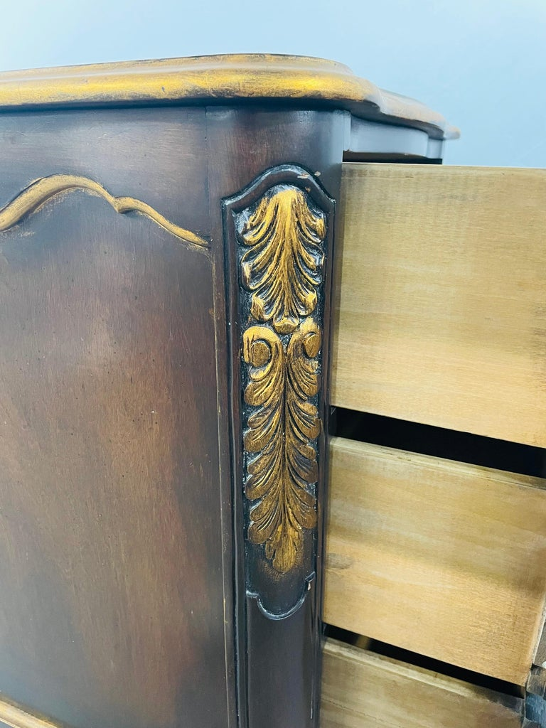 French Provincial 3 Drawer Mahogany Gilt Decorated Nightstand Table, a Pair For Sale 10