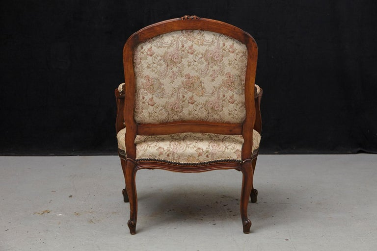 French Provincial Louis XV Style Walnut Fauteuil with Nailhead Trim, circa 1930s For Sale 1