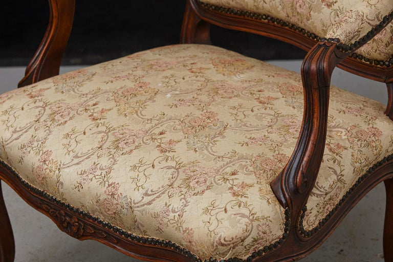 French Provincial Louis XV Style Walnut Fauteuil with Nailhead Trim, circa 1930s For Sale 3