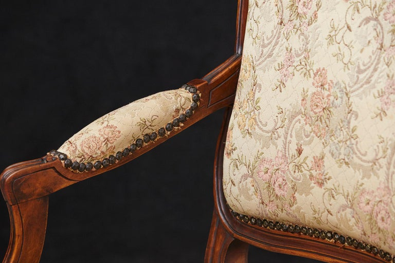 French Provincial Louis XV Style Walnut Fauteuil with Nailhead Trim, circa 1930s For Sale 4