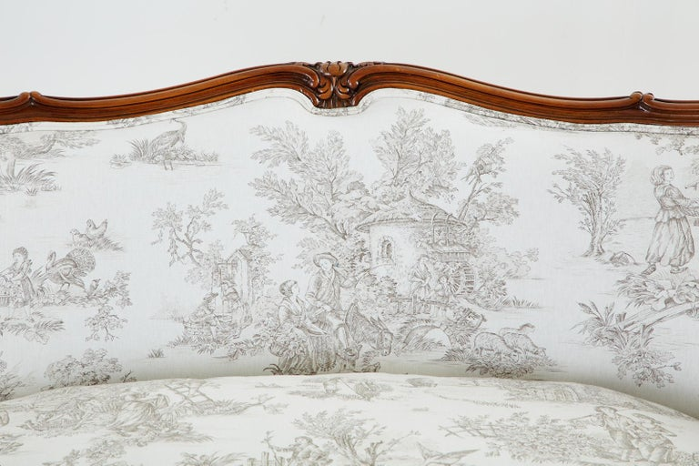 French Provincial Style Walnut Toile De Jouy Settee For Sale 5