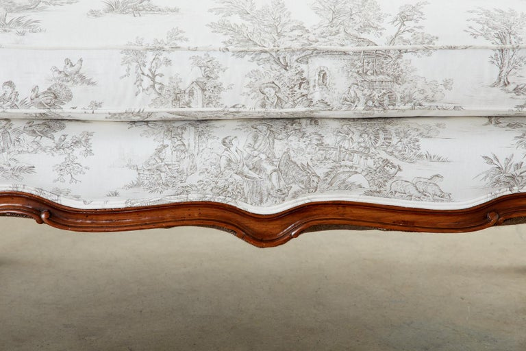 French Provincial Style Walnut Toile De Jouy Settee For Sale 7