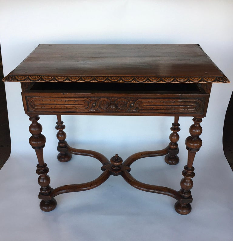 French Provincial Table In Good Condition For Sale In Los Angeles, CA