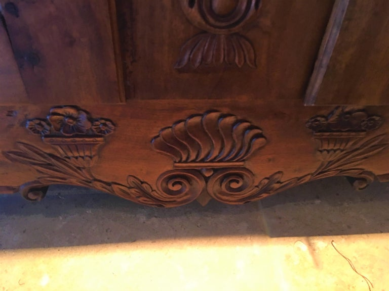 French Provincial Walnut Buffet with Drawers and Storage, 19th Century In Good Condition For Sale In Savannah, GA