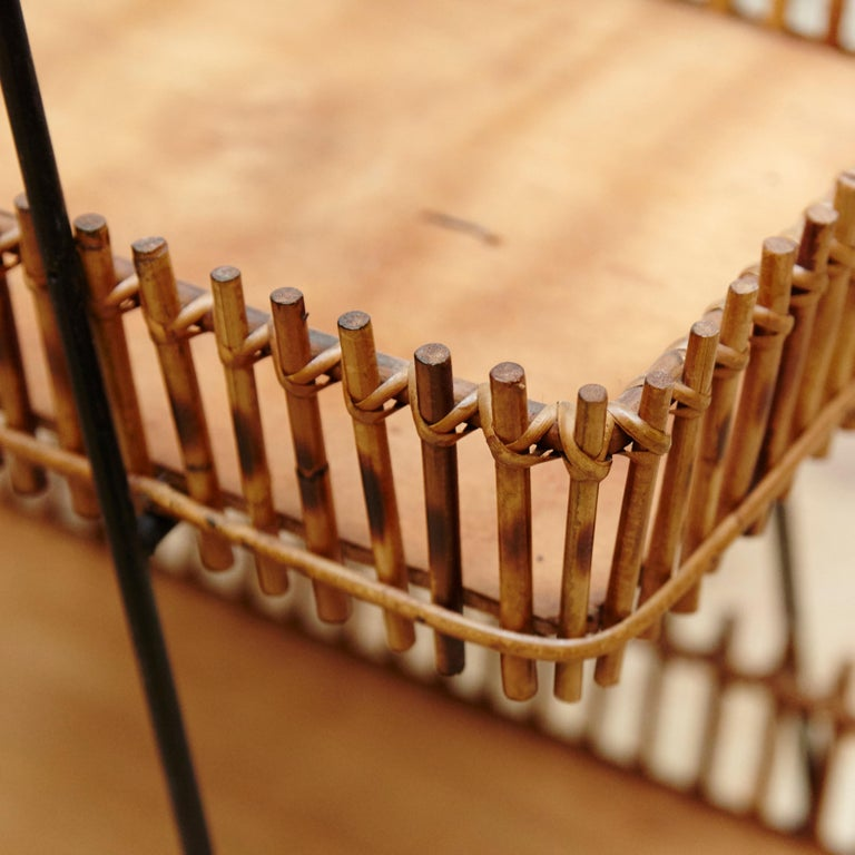 French Rattan and Black Metal Mid-Century Modern Magazine Holder, circa 1950 For Sale 1