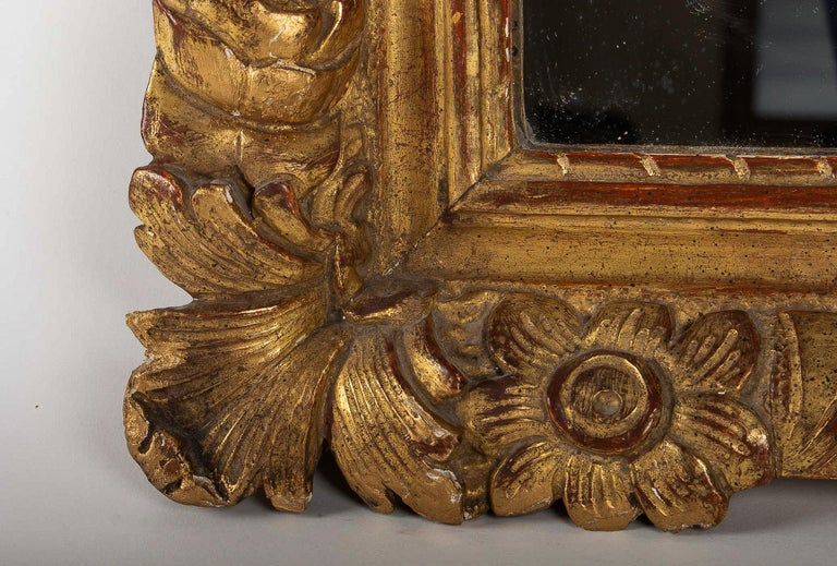 French Regence Provencal Period, Small Giltwood Top-Front Mirror, circa 1720 For Sale 1