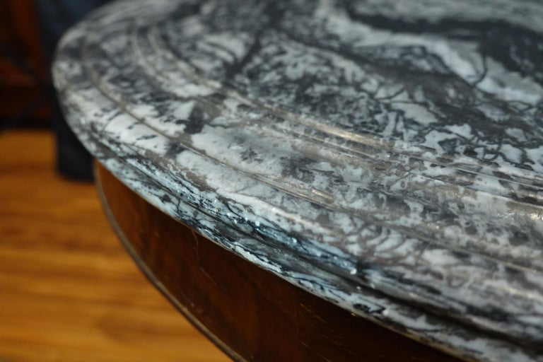 French Restauration Mahogany Center Table with Variegated Marble Top For Sale 7