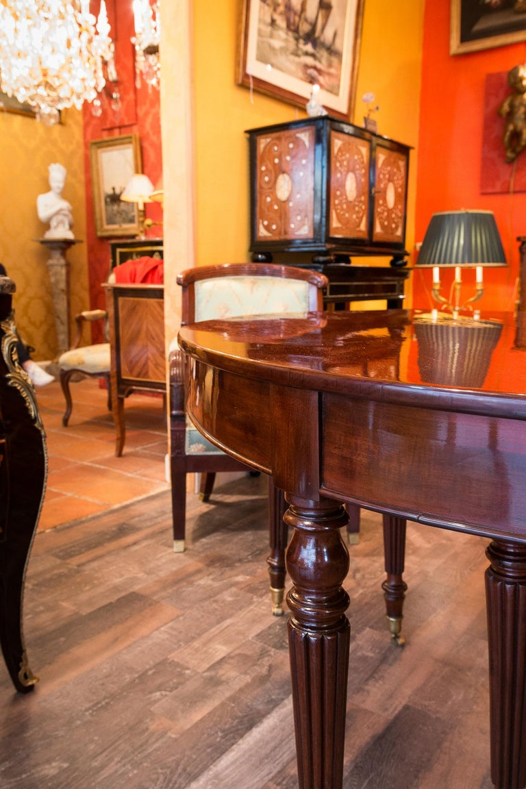 French Restauration Period Mahogany Dining Table, circa 1815-1820 For Sale 7