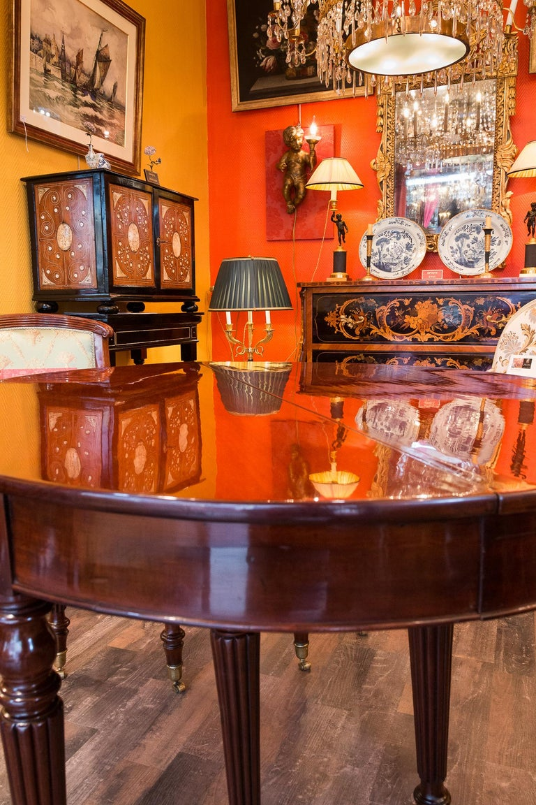 French Restauration Period Mahogany Dining Table, circa 1815-1820 For Sale 8