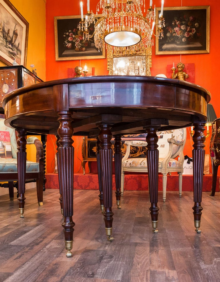 French Restauration Period Mahogany Dining Table, circa 1815-1820 For Sale 2