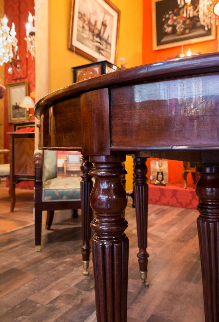 French Restauration Period Mahogany Dining Table, circa 1815-1820 For Sale 3