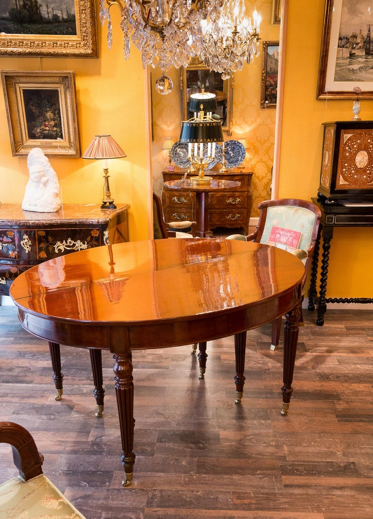 French Restauration Period Mahogany Dining Table, circa 1815-1820 For Sale 4