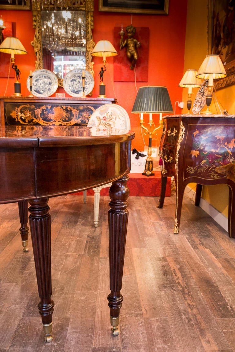 French Restauration Period Mahogany Dining Table, circa 1815-1820 For Sale 6
