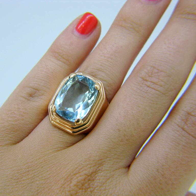 French Retro Aquamarine Rose Gold Cocktail Ring For Sale 1
